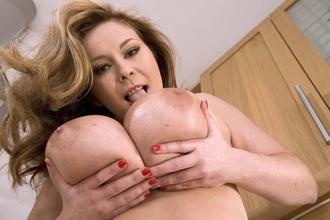 big boobs sex text chat